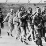 Häftlingsorchester des KZ Mauthausen spielt vor Hinrichtung